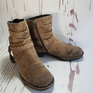 Born tan suede motorcycle woman boots 8